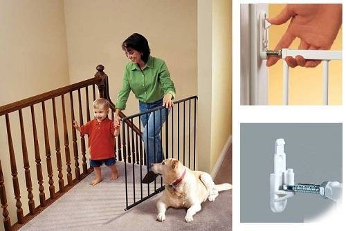 Kidco Safeway Safety Gate for top-of-stairs